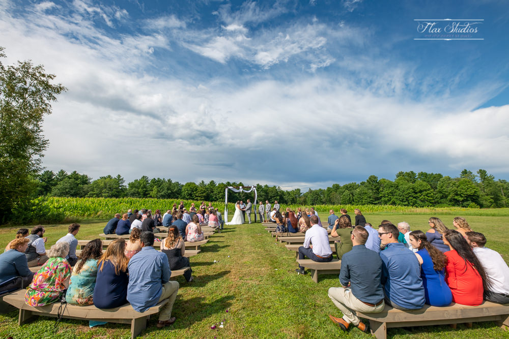 timber hitch farmhouse ceremony site