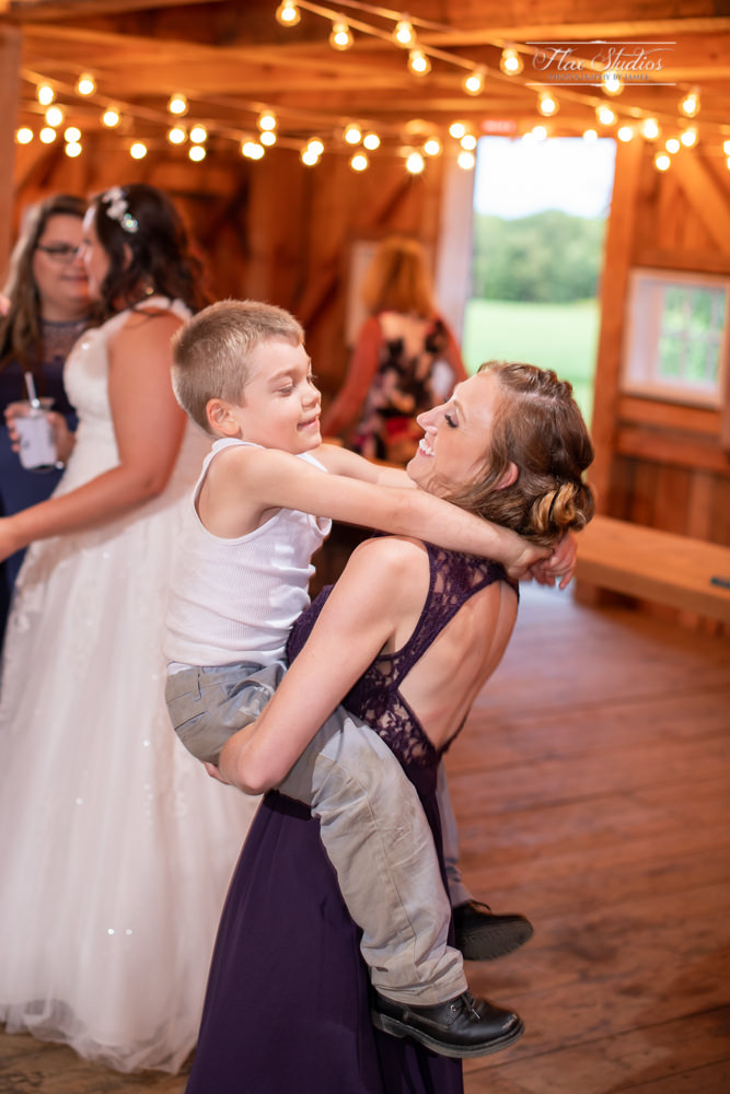 The Timber Hitch Farmhouse Wedding Photographer-137.jpg
