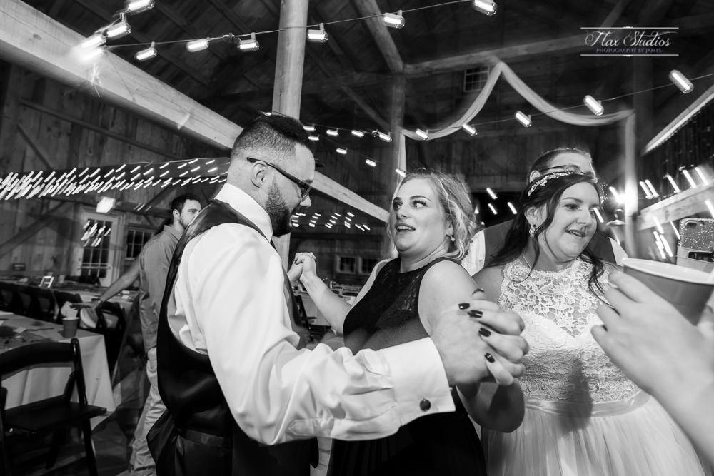 The Timber Hitch Farmhouse Wedding Photographer-154.jpg