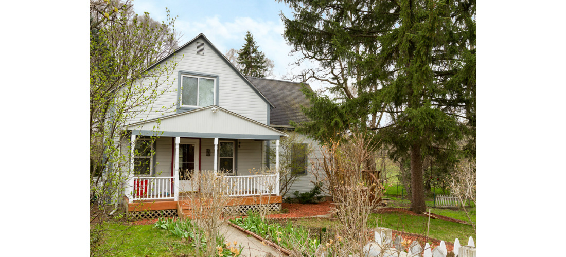 real-estate-residential-ypsilanti-exterior-front-sunny-cjsouth-07.jpg