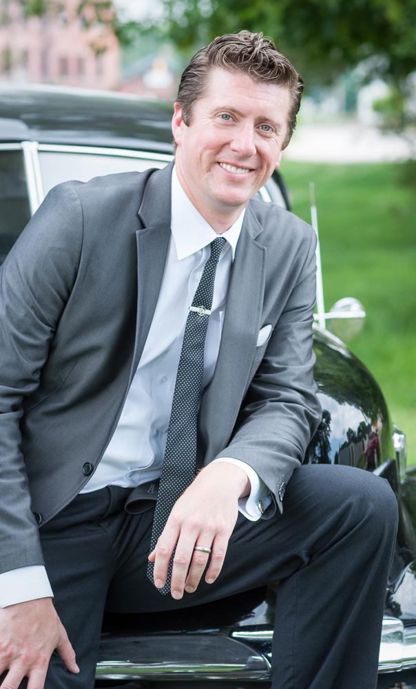 business-Headshot-Portrait-man-suit-real-estate-agent-cj-south-photography-ann-arbor-michigan.jpg