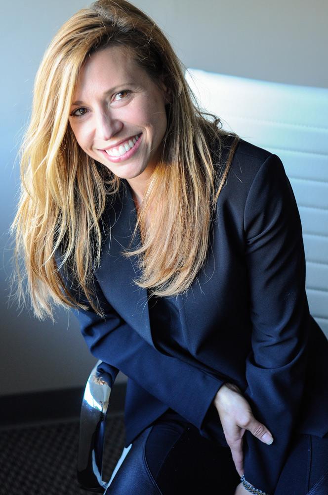 business-Headshot-Portrait-woman-suit-blonde-cj-south-photography-ann-arbor-michigan.jpg