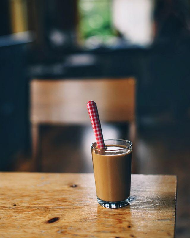 🔸Heel erg blij om mijn broer, schoonzusje en kids te zien uit Vietnam een paar dagen geleden. Hier heeft ze net een heerlijke koffie gemaakt met de phin. ⠀⠀⠀⠀⠀⠀⠀⠀⠀ 🔸Happy to meet my brother, sister in law & kids from Vietnam, she made a delicious coffee with the #phin .⠀⠀⠀⠀⠀⠀⠀⠀⠀ .⠀⠀⠀⠀⠀⠀⠀⠀⠀ .⠀⠀⠀⠀⠀⠀⠀⠀⠀ .⠀⠀⠀⠀⠀⠀⠀⠀⠀ .⠀⠀⠀⠀⠀⠀⠀⠀⠀ .⠀⠀⠀⠀⠀⠀⠀⠀⠀ . ⠀⠀⠀⠀⠀⠀⠀⠀⠀ .⠀⠀⠀⠀⠀⠀⠀⠀⠀ .⠀⠀⠀⠀⠀⠀⠀⠀⠀ .⠀⠀⠀⠀⠀⠀⠀⠀⠀ #spcafephoto #coffeeteller #coffegram #coffeeinsta #phincoffee #vietnamesecoffee #coffeexample #coffeeeee #koffiedrinken #coffeecups #todaymycoffee #coffeislove #coffees #dailycoffee #coffeee #coffee_time #thingsaboutcoffee #caffinefix #getcoffeebehappy #ig_coffee #coffeephotos #koffiebonen #koffietijd #koffiepauze #coffeeathome #coffeeonthetable #coffeetized #koffeecollective #coffeemoments