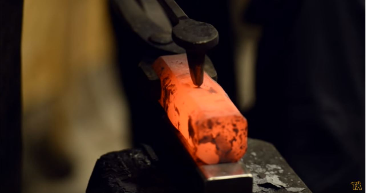 blacksmith forging hammer