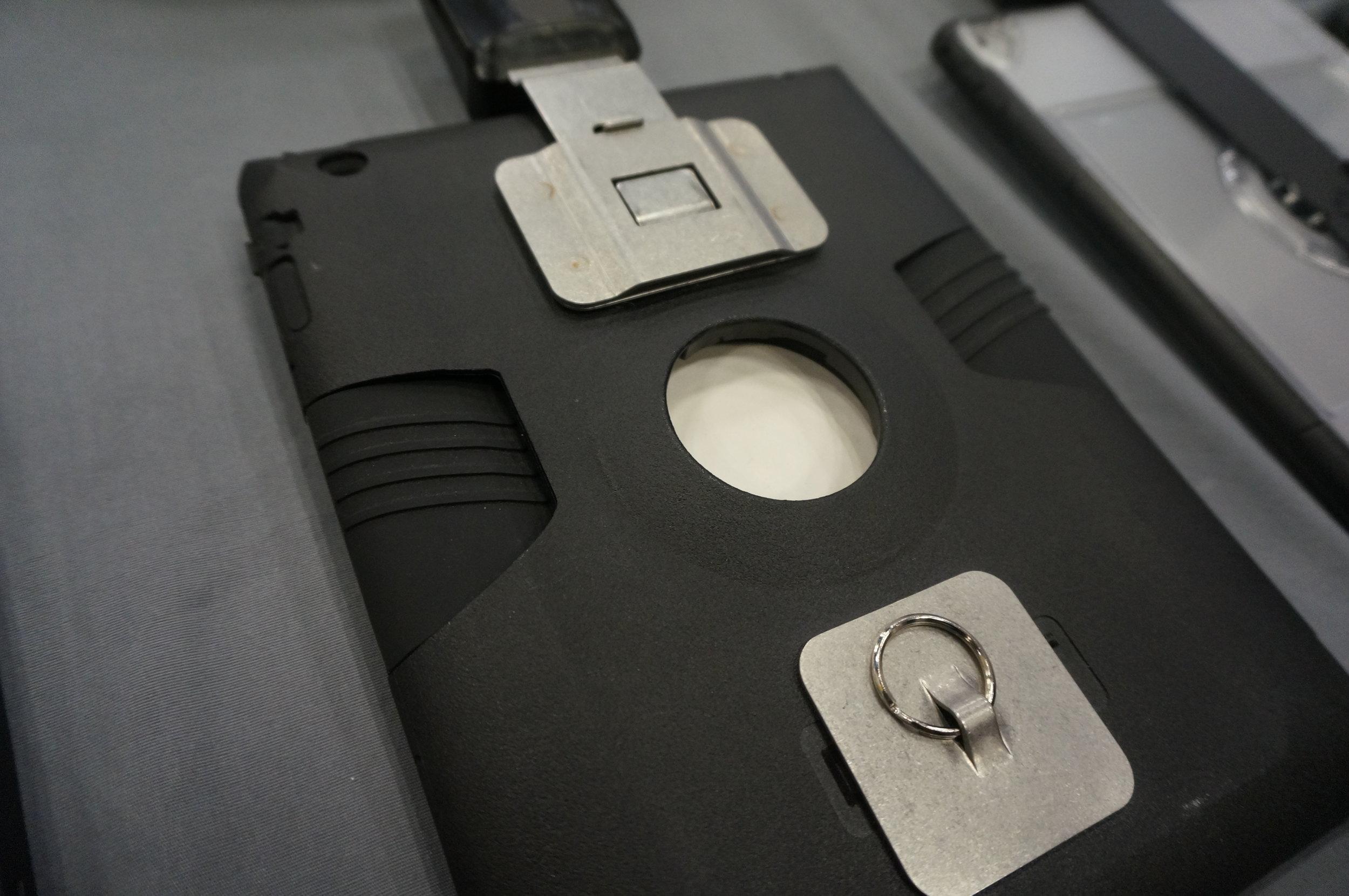 Runnur Universal Tablet Belt Clip