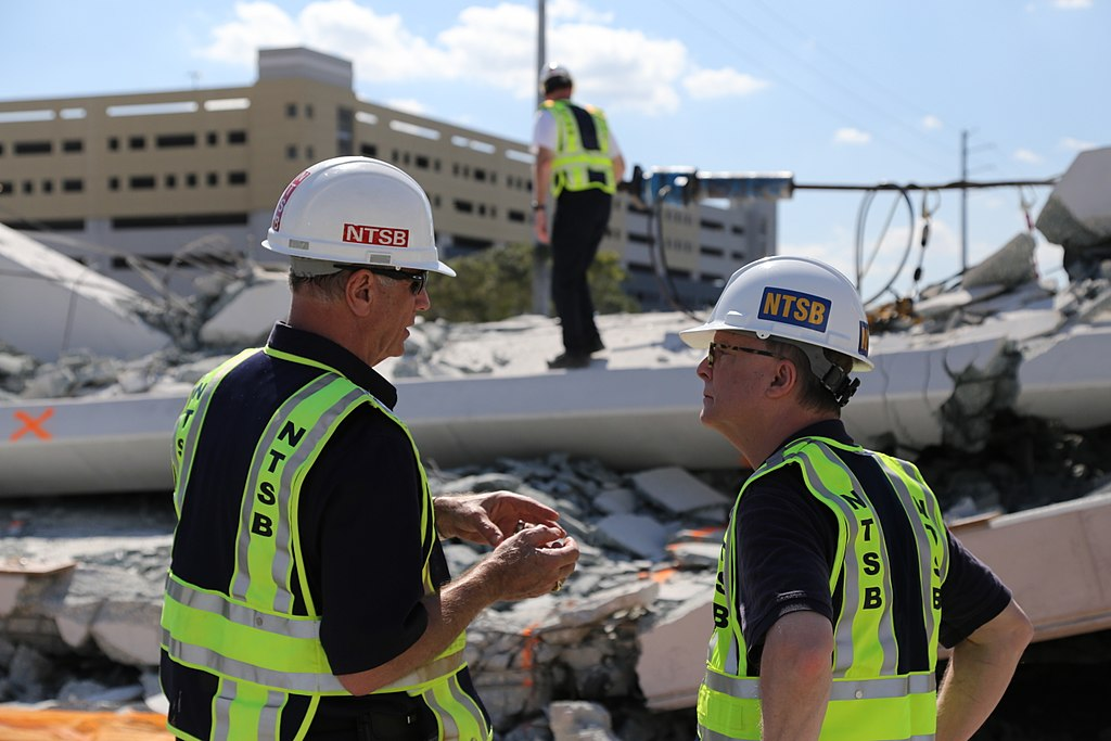 FIU_Bridge_NTSB_inspection.jpg