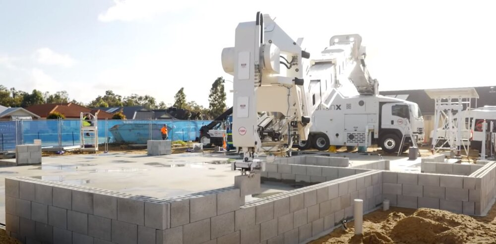 Brick Laying Robot, Hadrian X, Completes First Commercial Building — Construction Junkie
