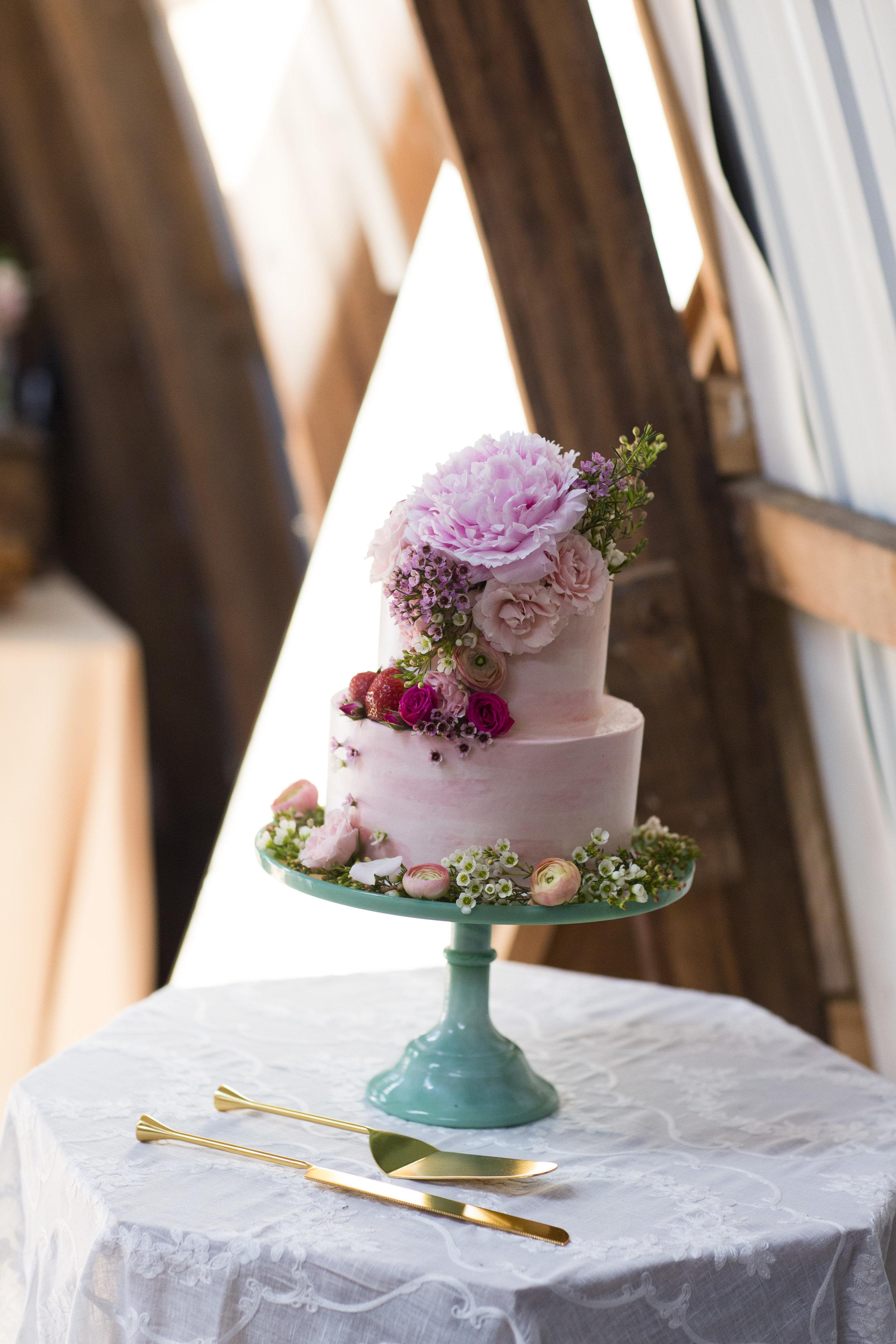 Summer Strawberry Cake, Everbreeze Farm