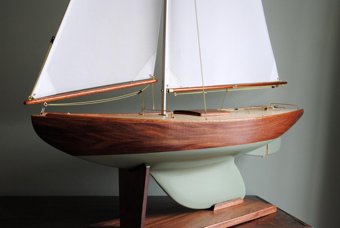 Pond Yacht B30.jpg