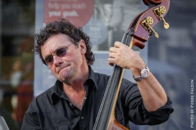 Howard Baer, Bass