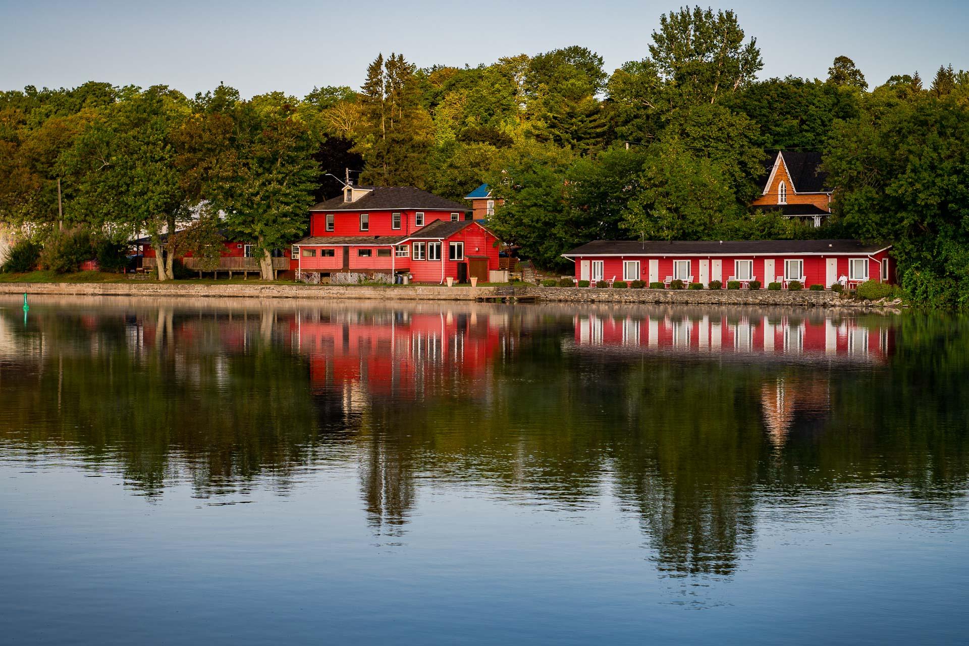 The Water's Edge Inn