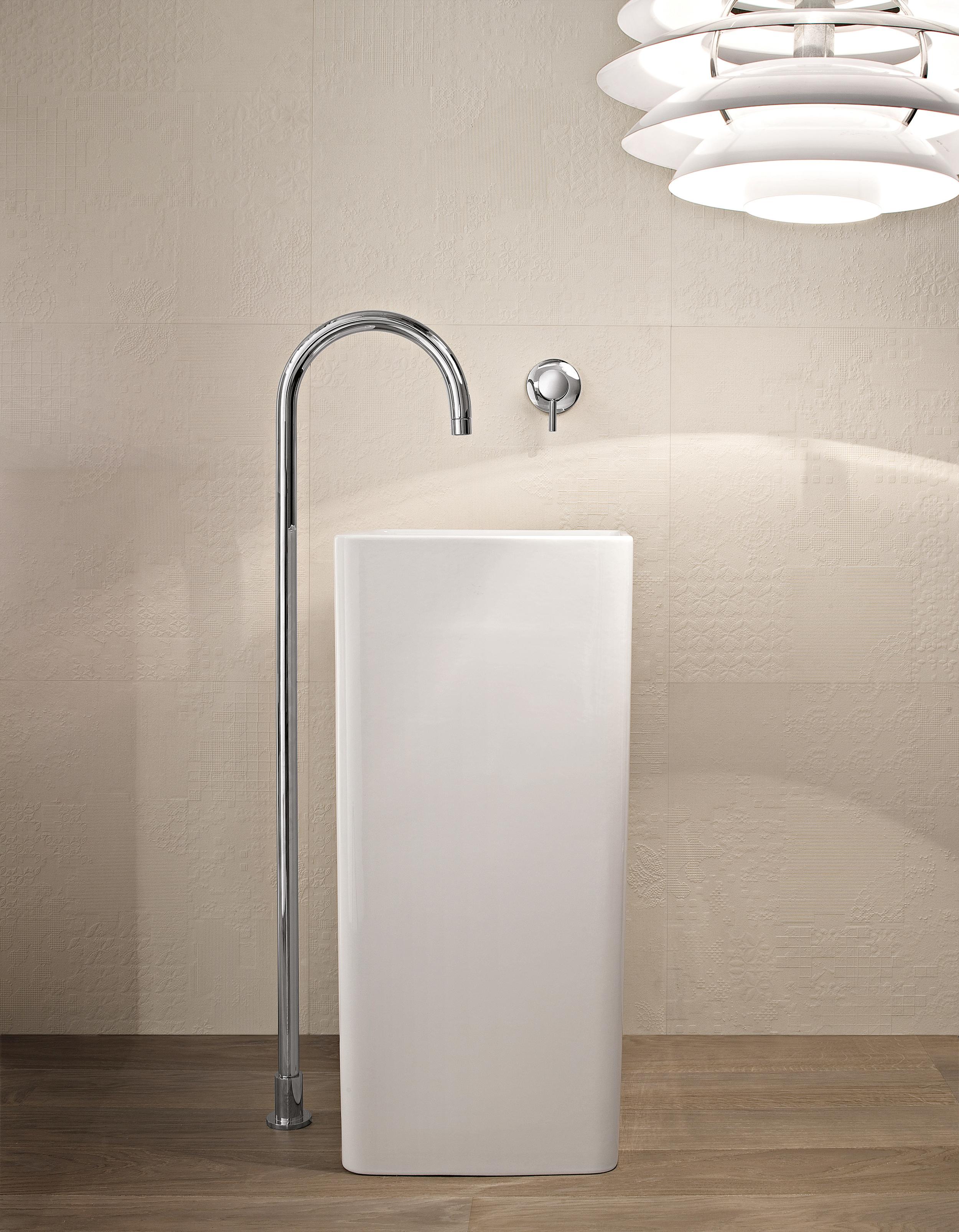 Wall mount Sinks