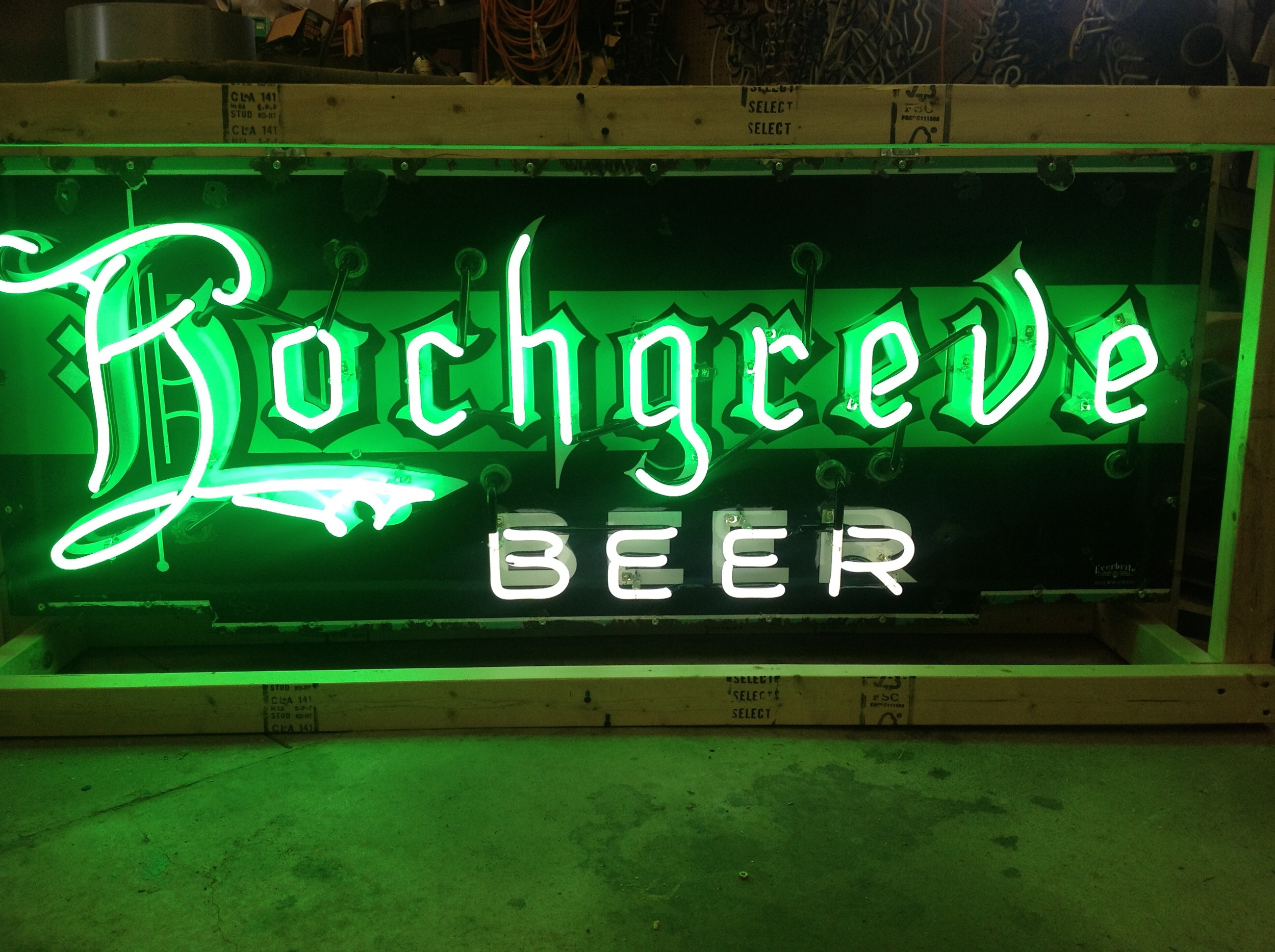 Hochgreve Beer - Neon & Porcelain