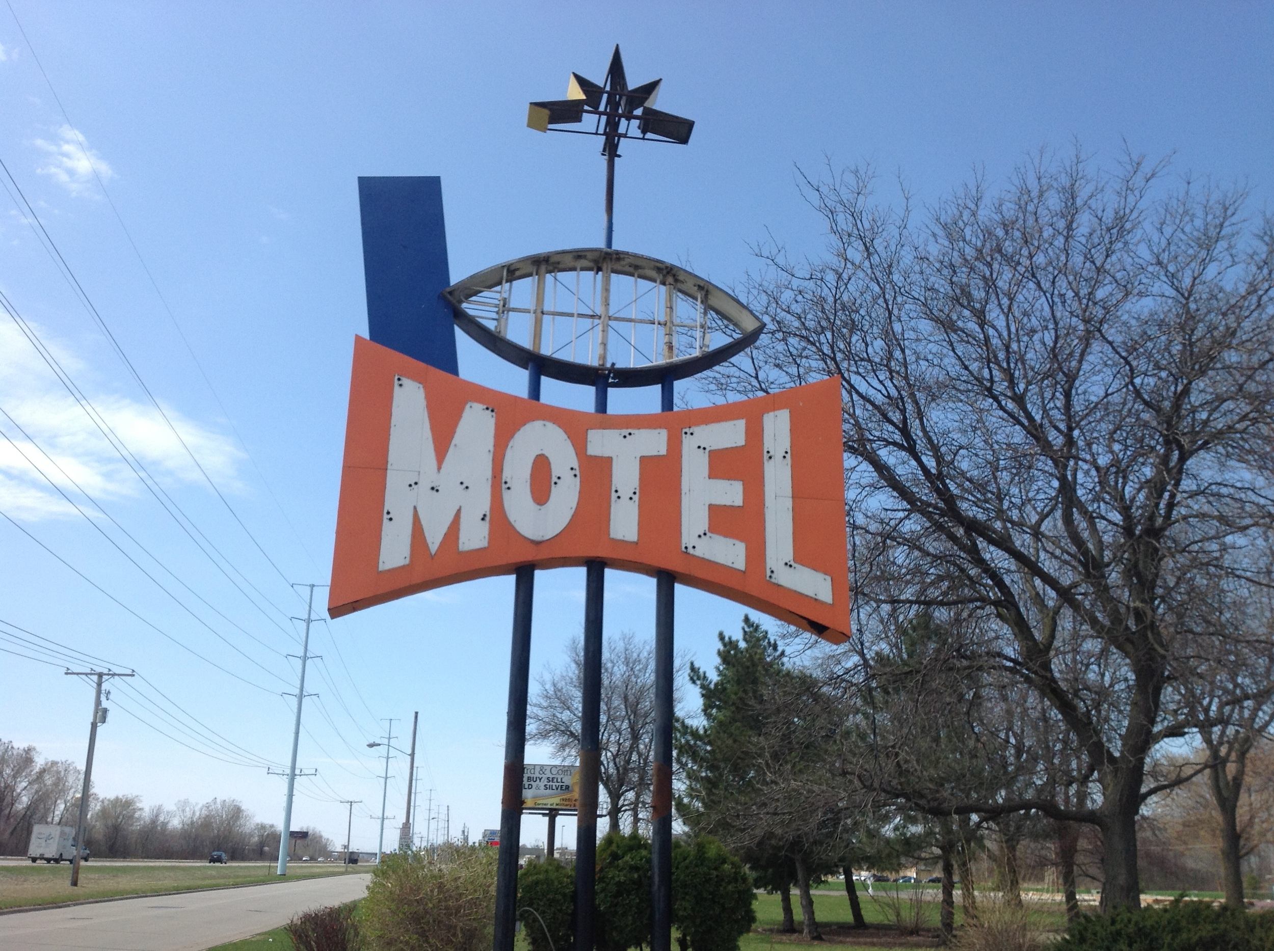 The Sky-lit Motel sign as it looks now.
