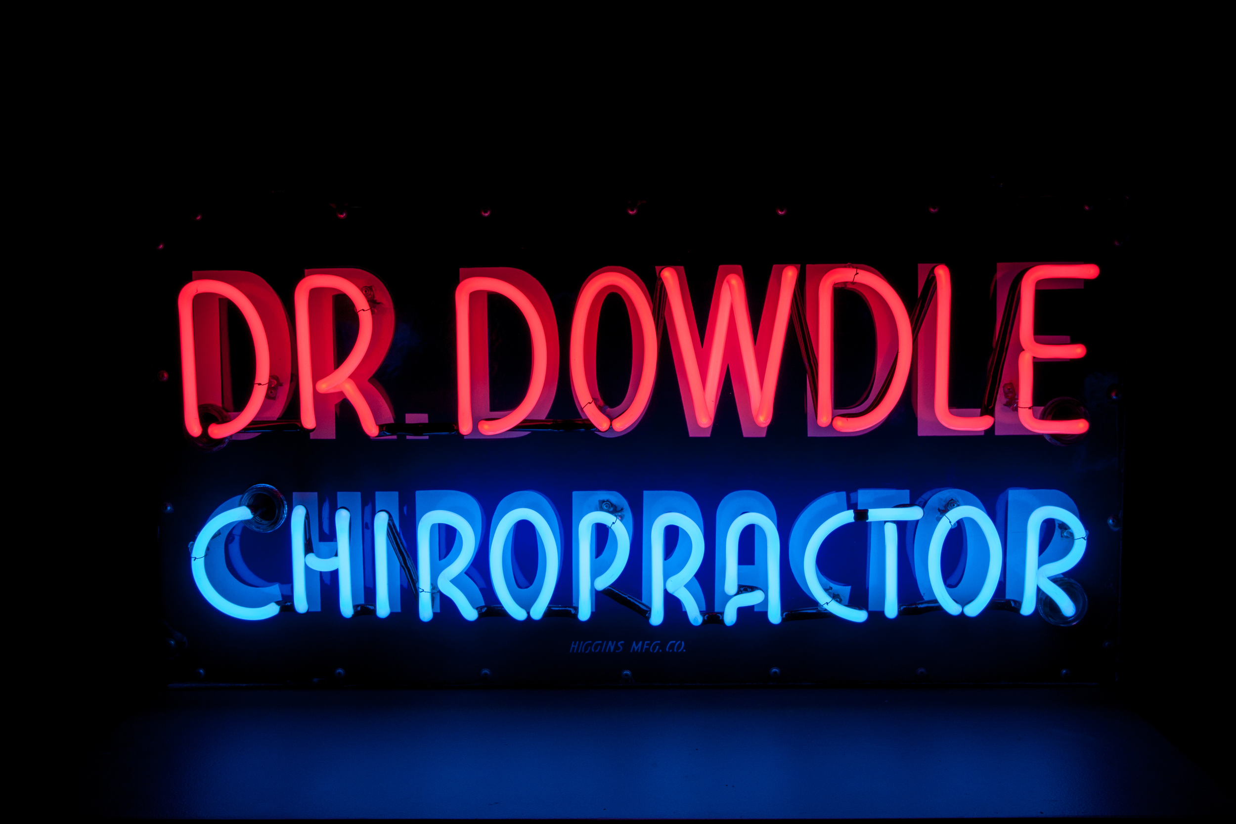 Dr. Dowdle Chiropractic Neon Sign