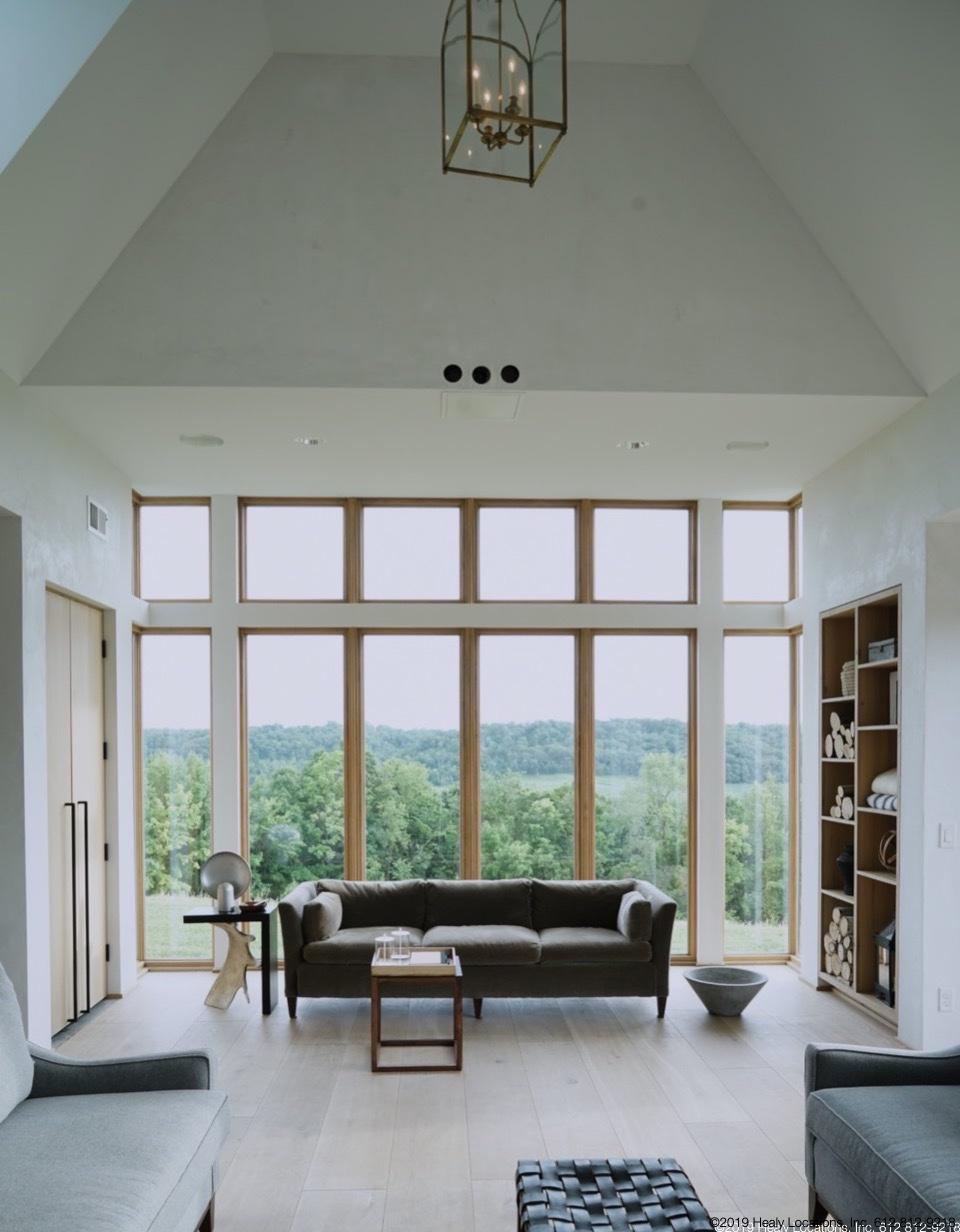 livingroomsouth.jpg