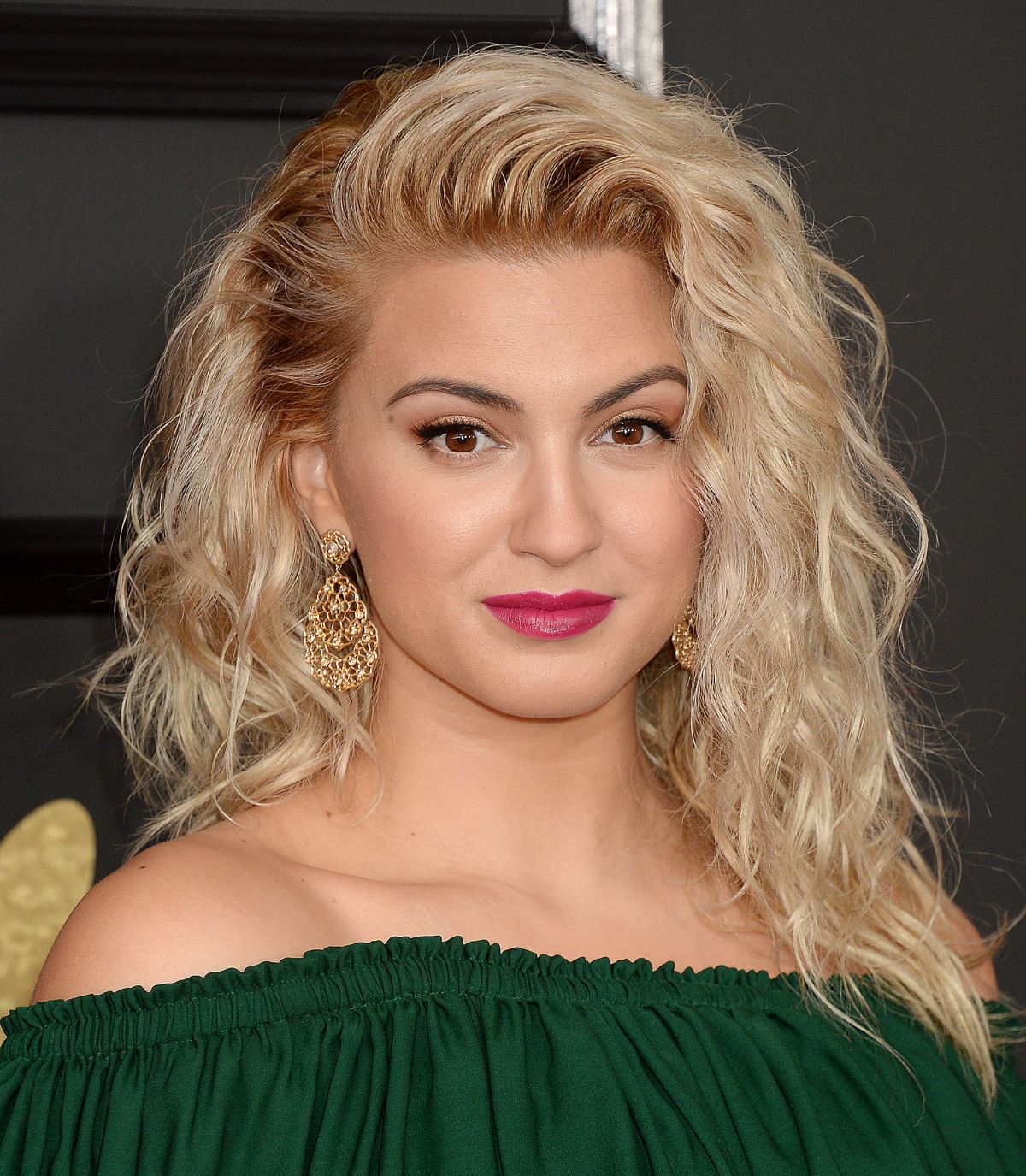 tori-kelly-at-59th-annual-grammy-awards-in-los-angeles-02-12-2017_1.jpg