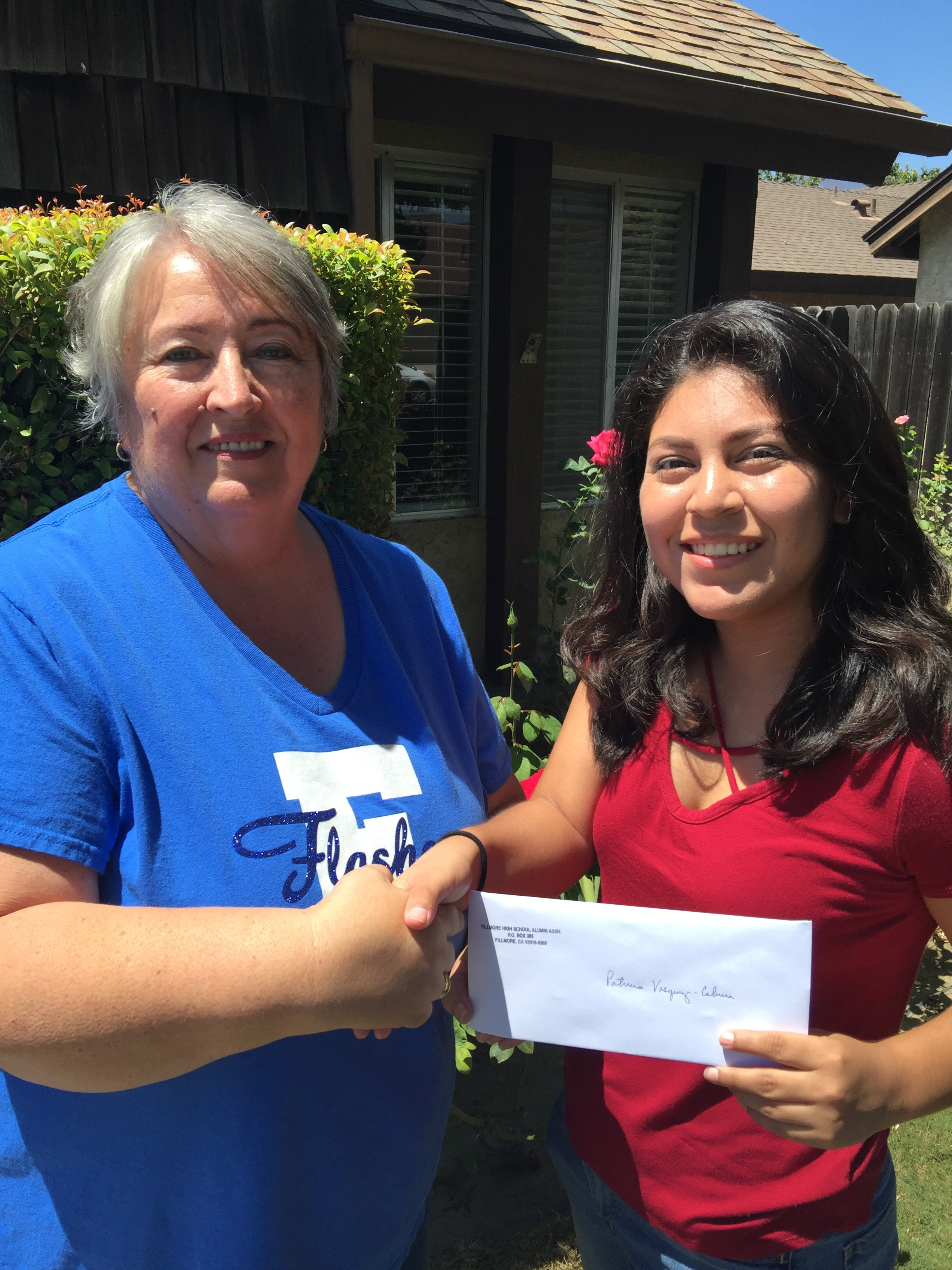 Patricia Vasquez-Cabrera '15 receives her Continuing Education Grant. Patricia is a Sophomore at University of California San Diego. She is Majoring in Urban Studies and Planning. She is on schedule to Graduate in 2019. Congrats Patricia!