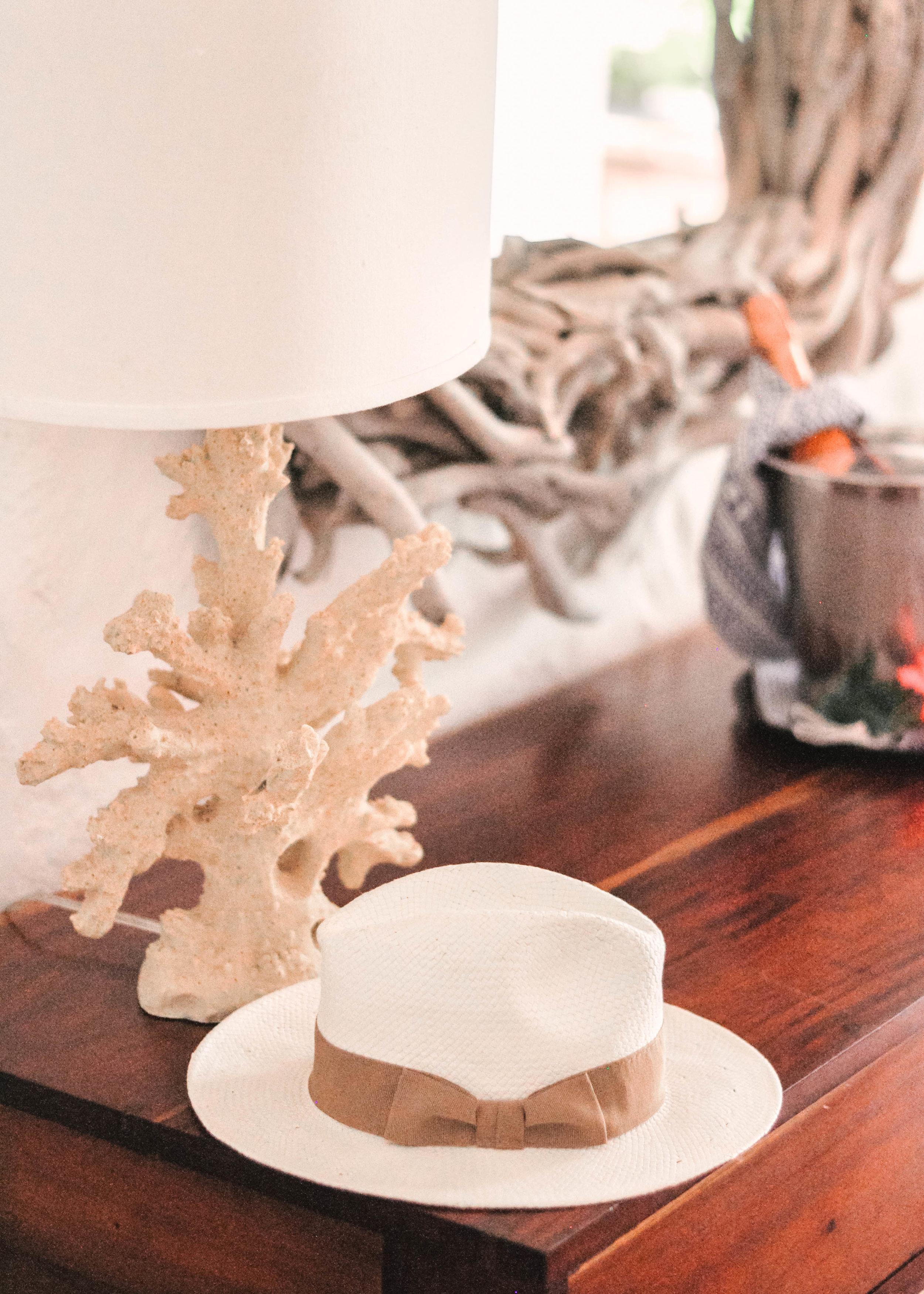 Island table decor