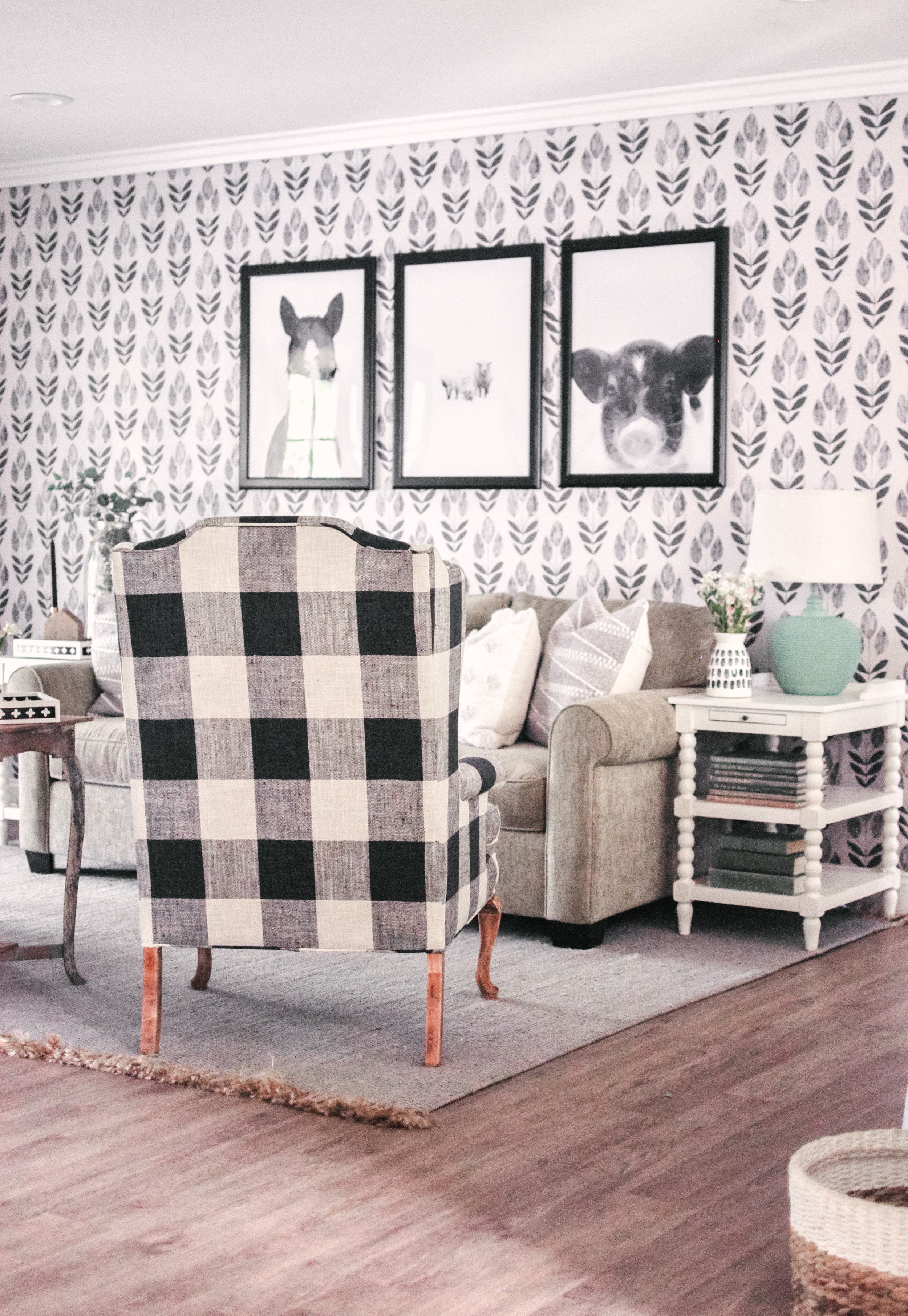 Black and White Scandinavian Block Tulip Print Wallpaper