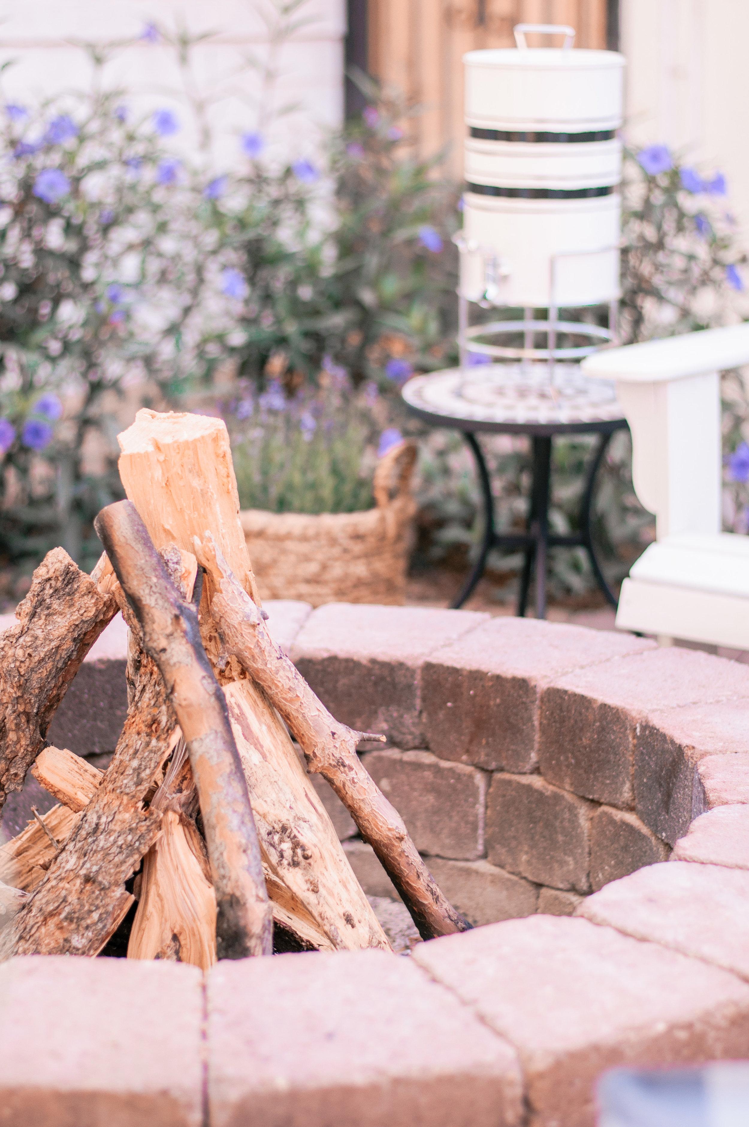 Cheap, Easy Backyard Firepit Ideas