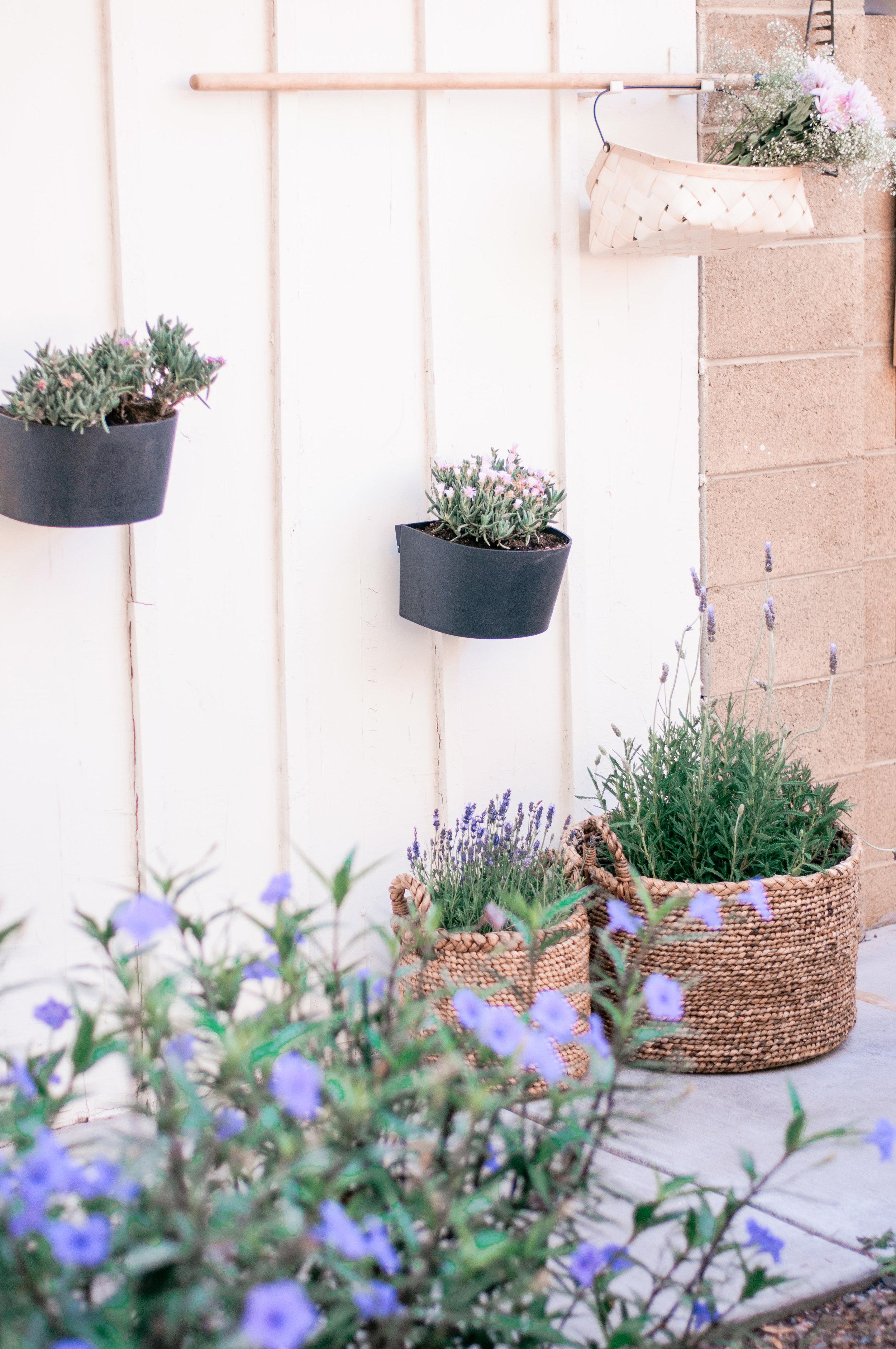 Cheap, Easy DIY Backyard Patio Firepit