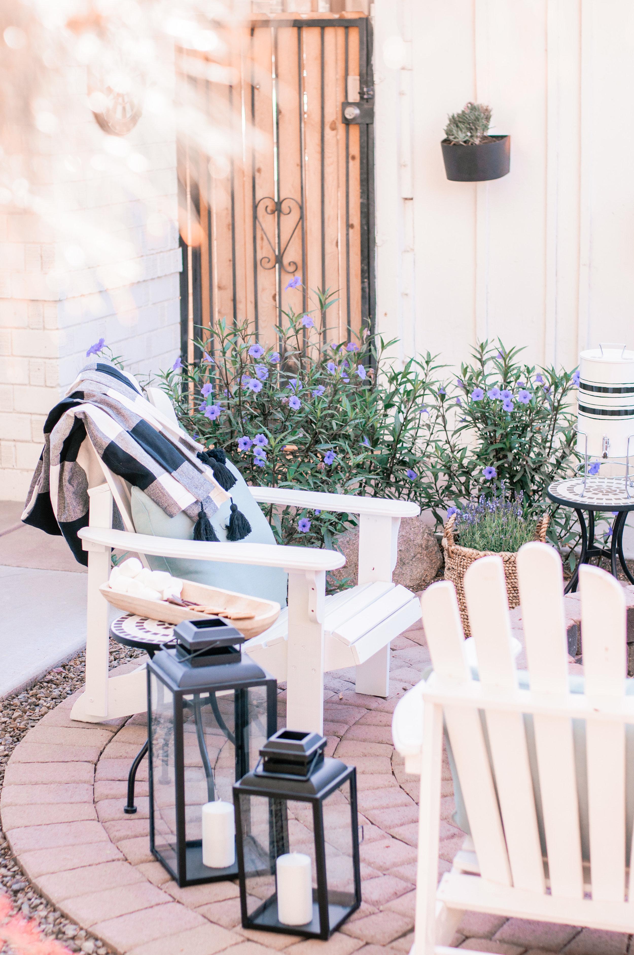 Cheap, Easy Backyard Patio Firepit Seating
