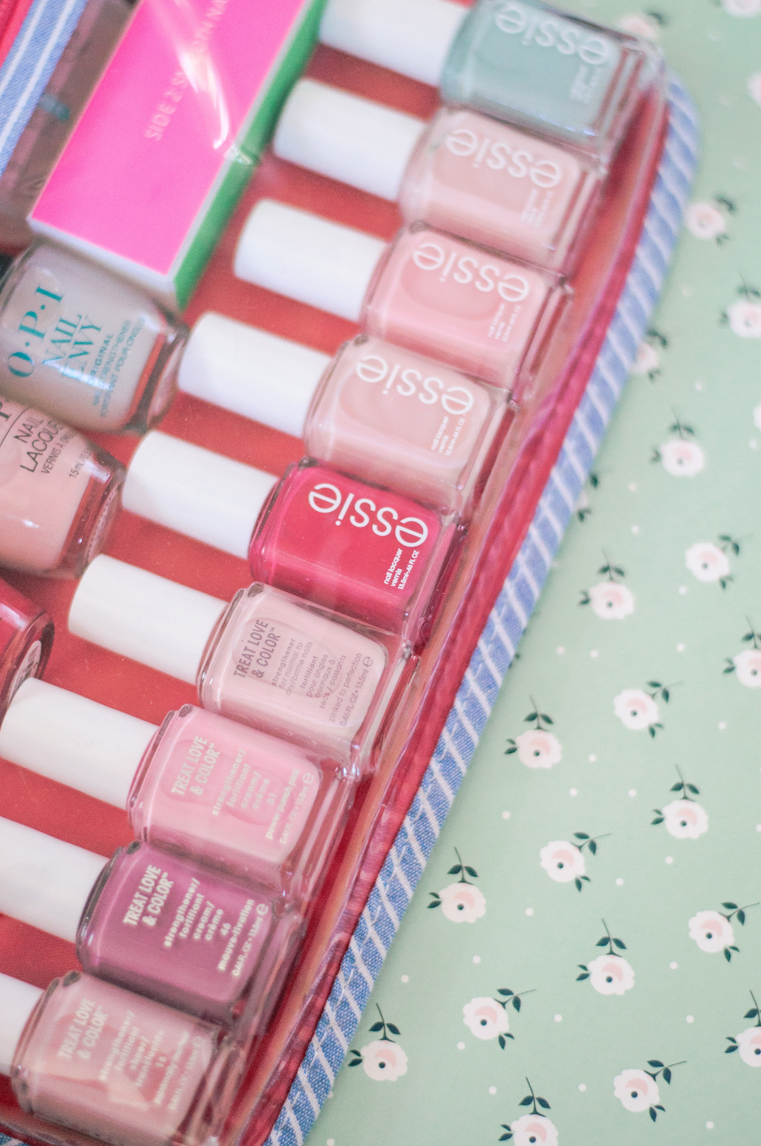 The Best Neutral Natural Nail Polish Colors
