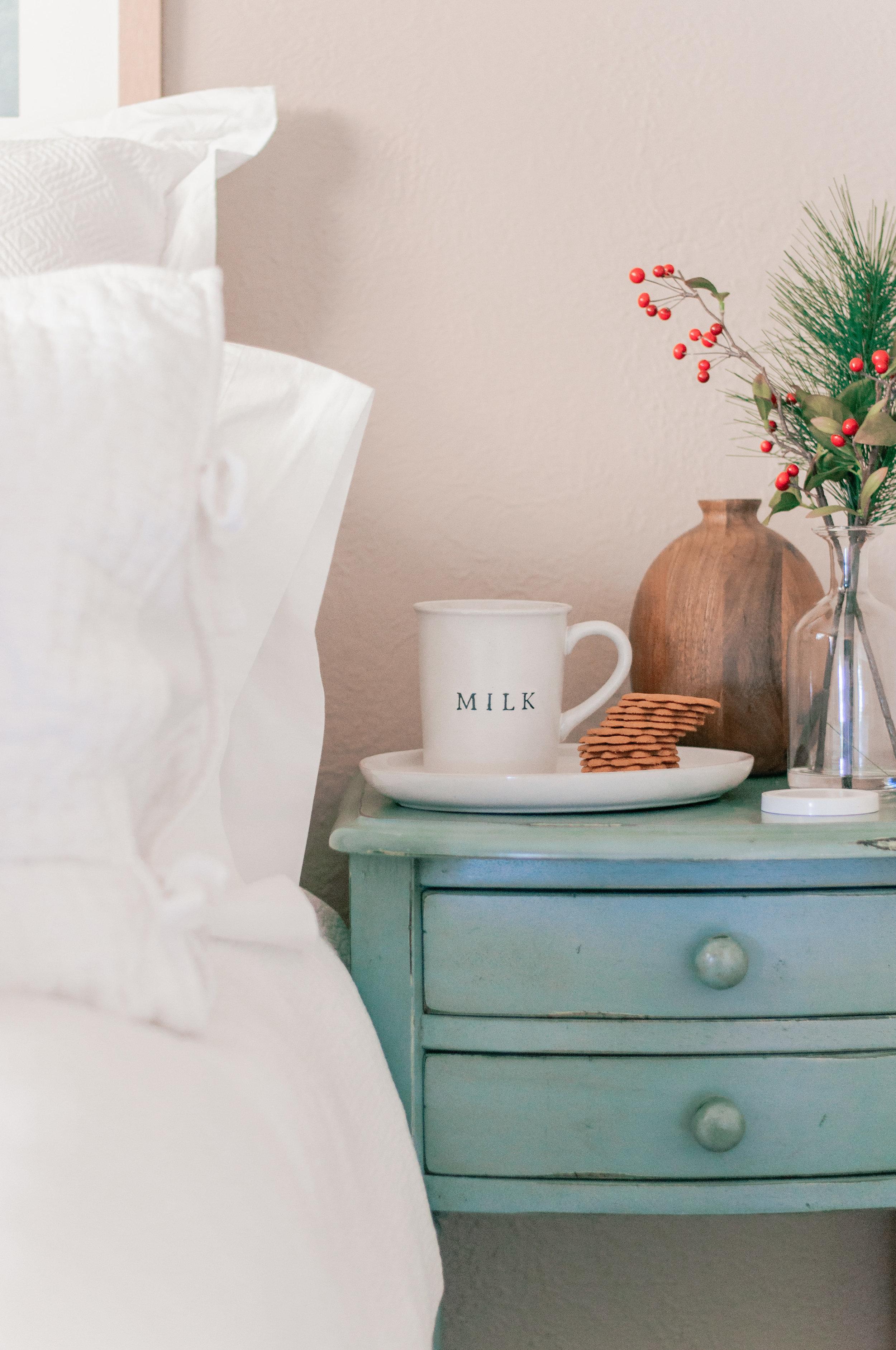 Holiday Bedroom Decor Ideas