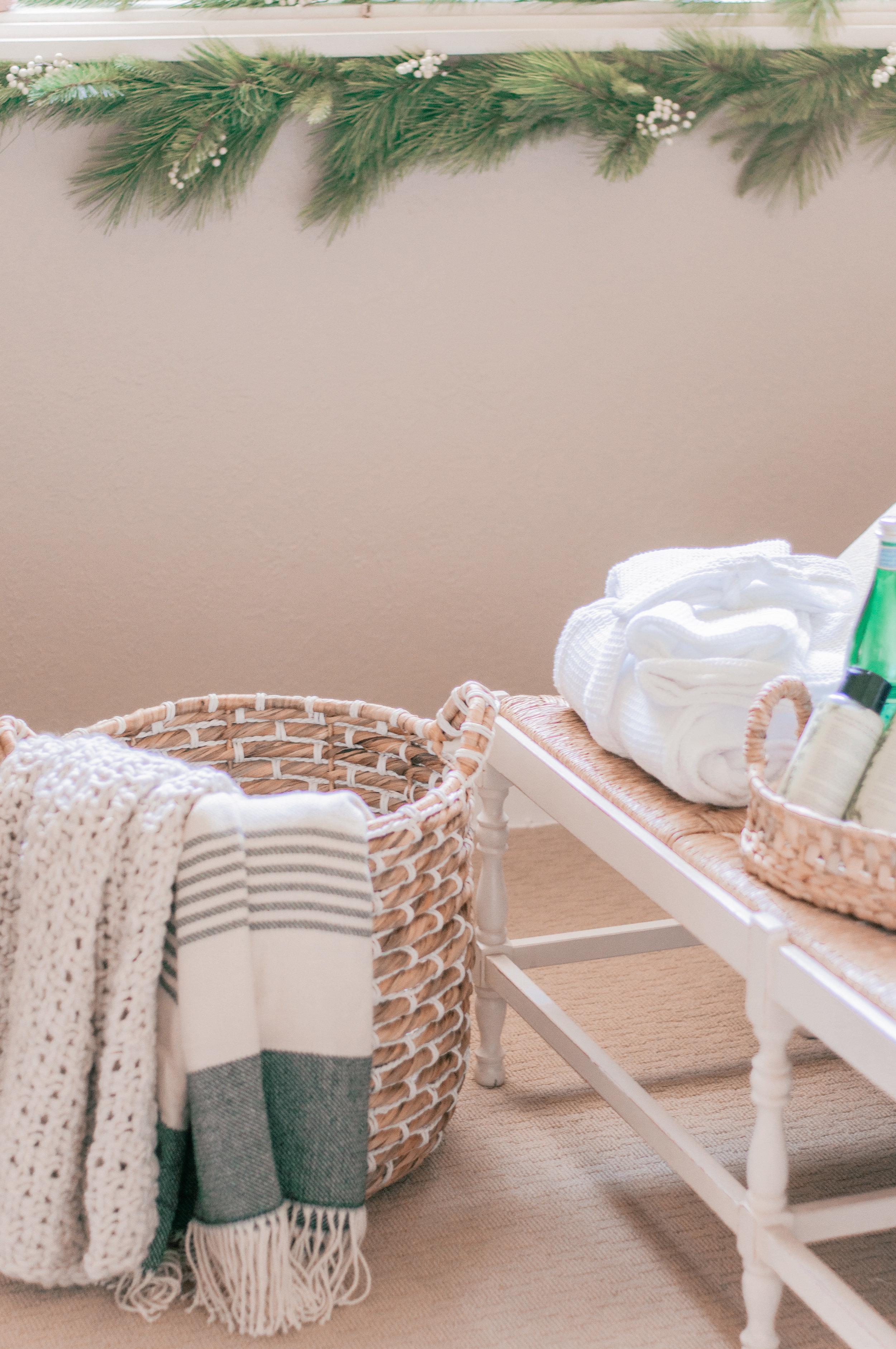 Easy Guest Bedroom Decor Ideas
