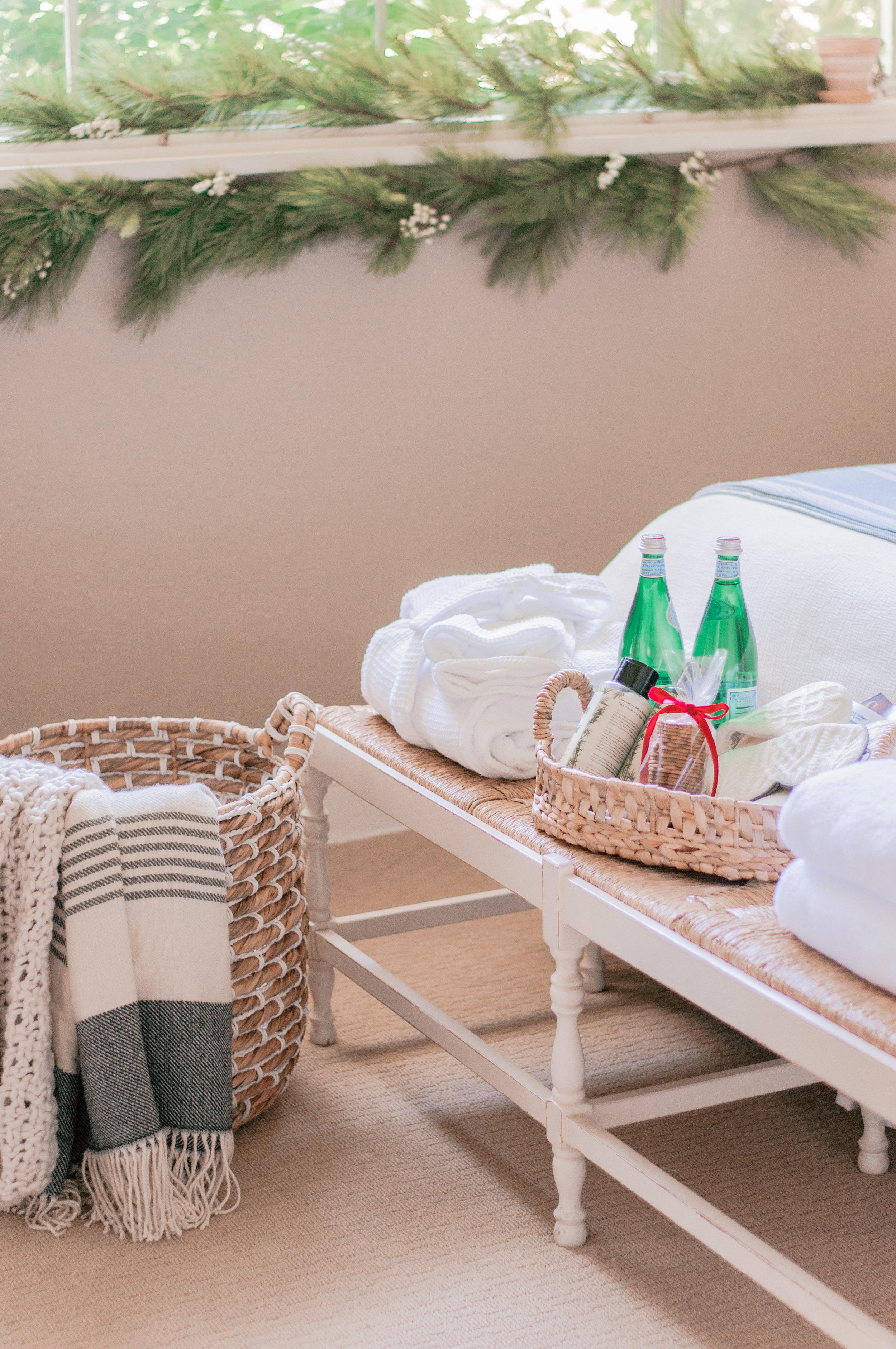 Cute Guest Bedroom Decor Ideas