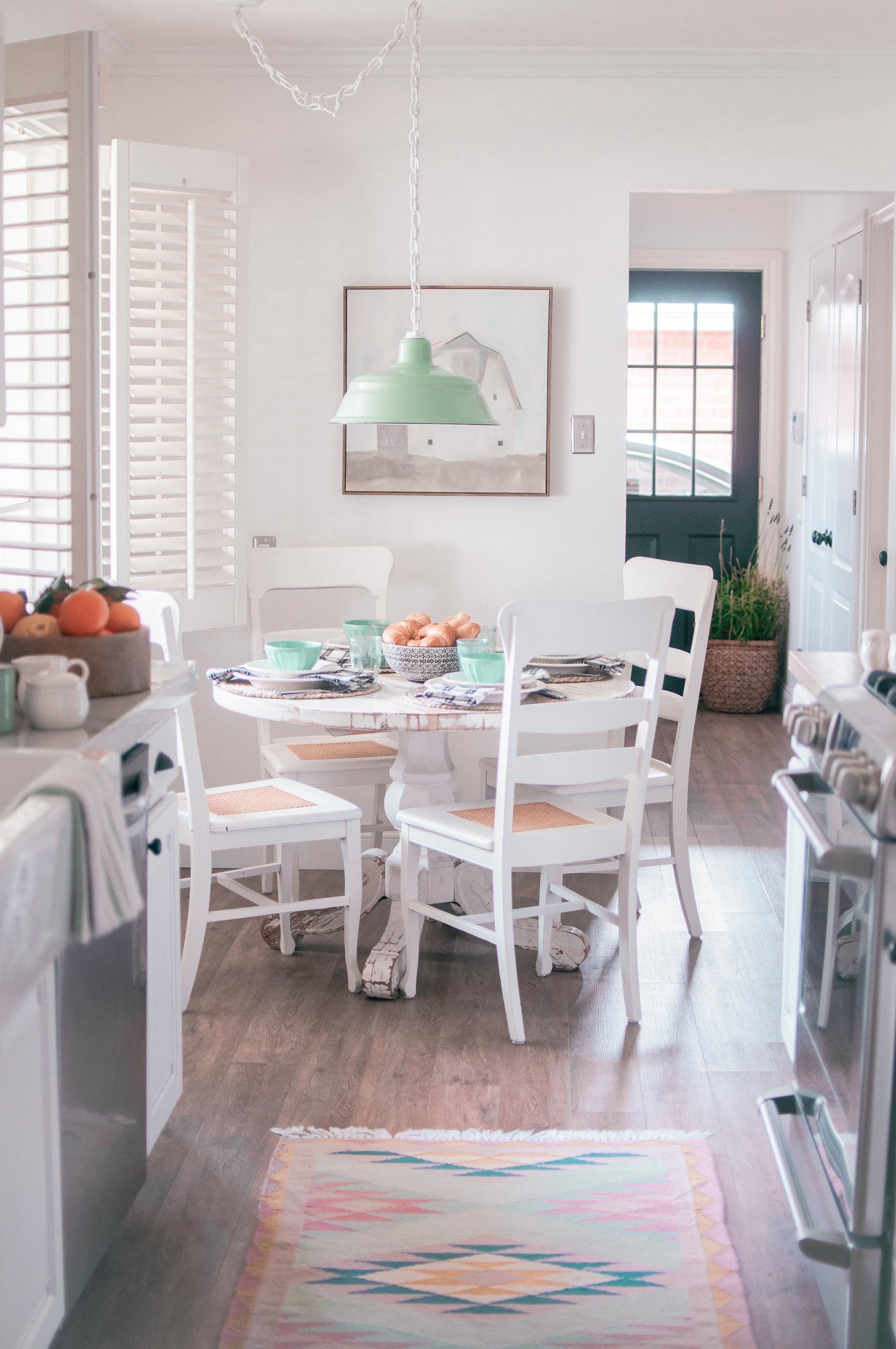 Breakfast Nook Furniture Ideas