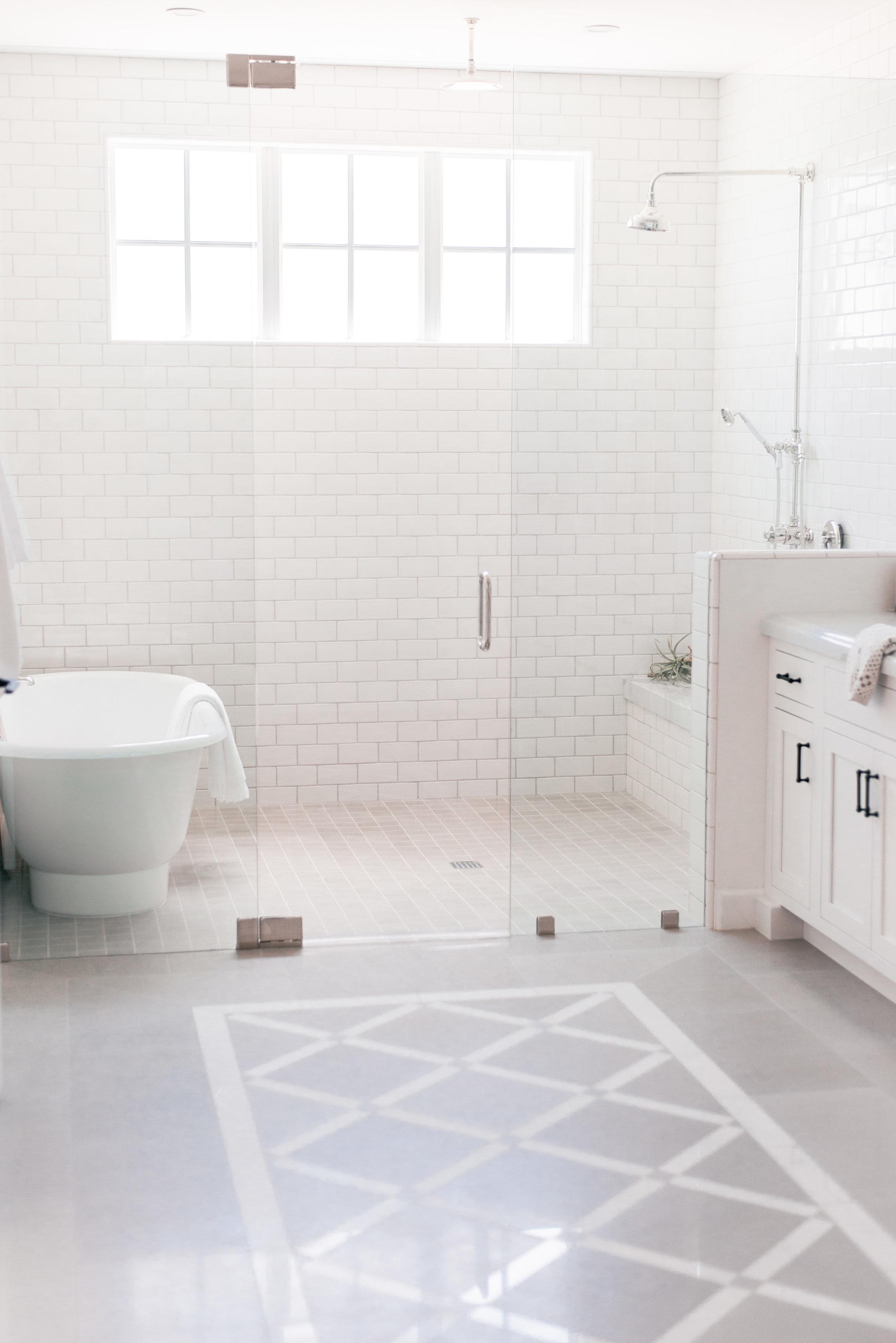 Bath Tub In Shower