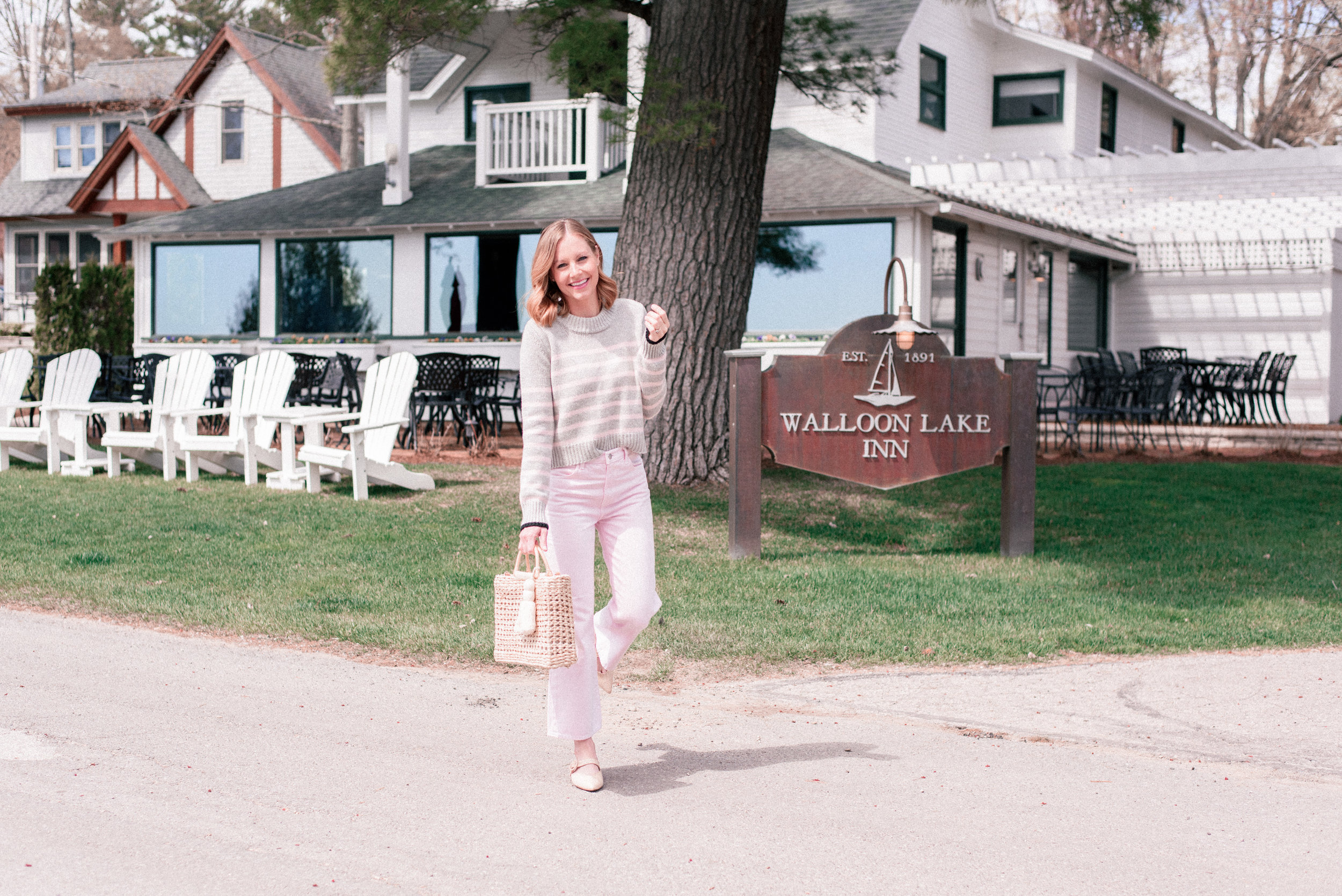 michigan-best-restaurants-the-walloon-lake-inn-3.jpg