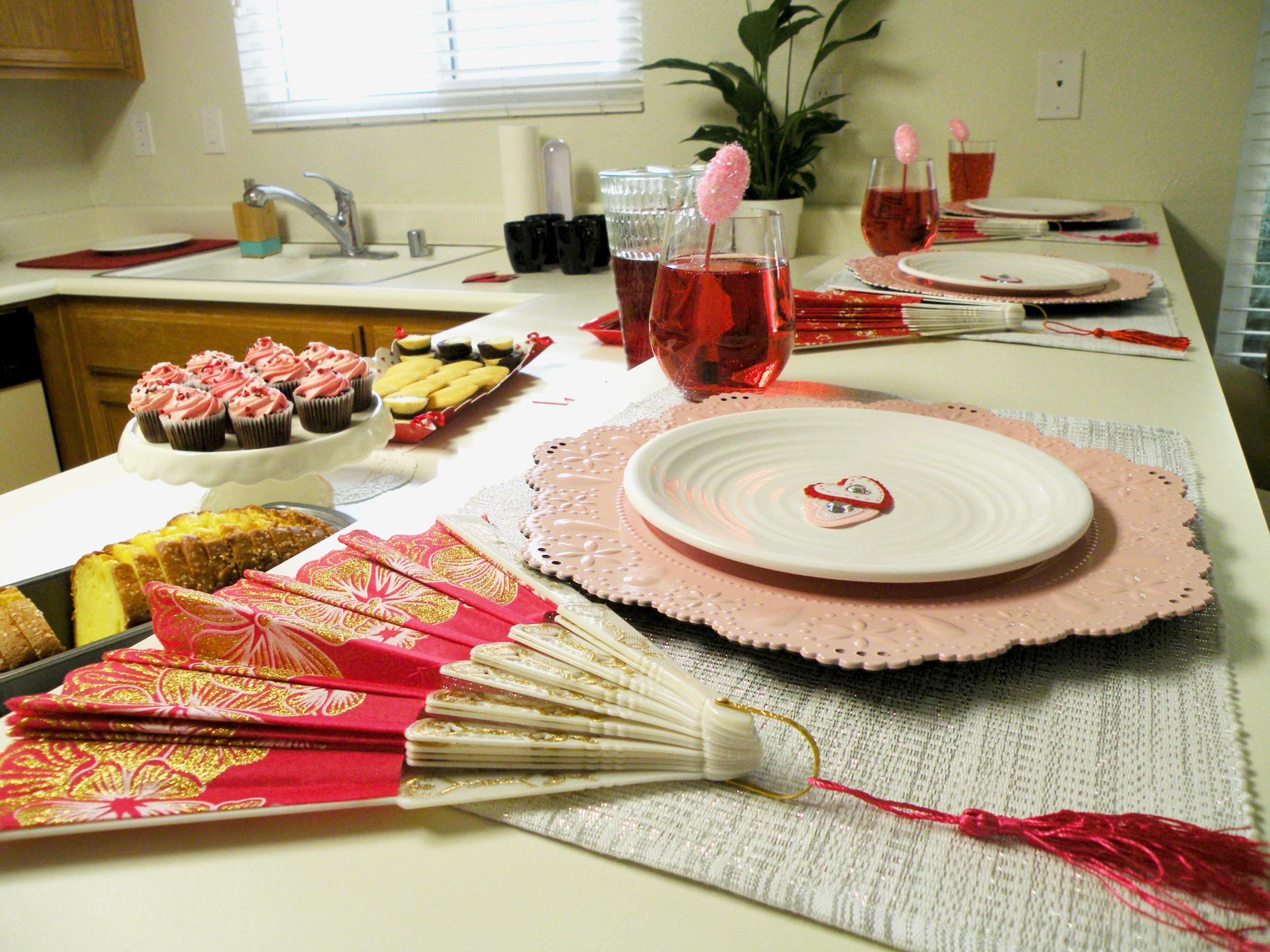Valentines Tablescape FDSCN5469.png