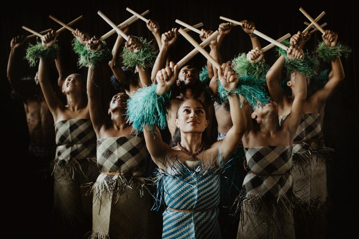 espectaculo-danza-tradicional-fiji.jpg