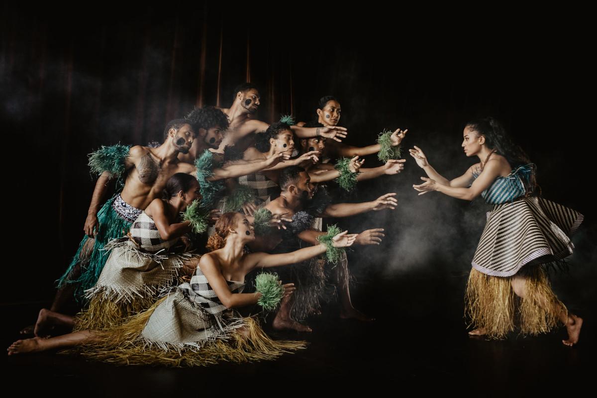 espectaculo-danza-tradicional-fijiana.jpg