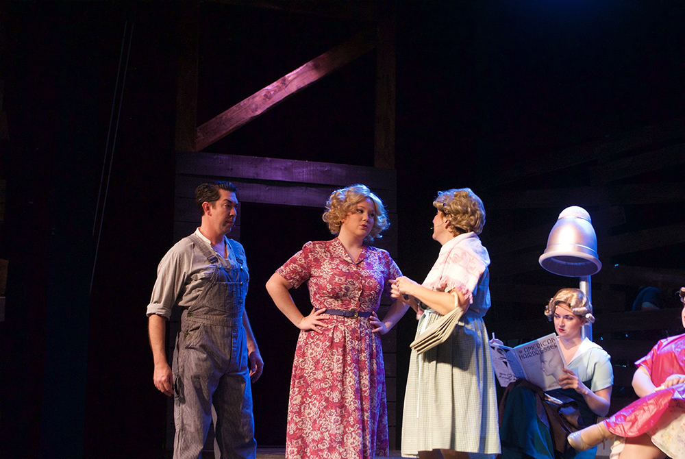 (From Left to right): Buck Barrow (Tim McShea), Blanche Barrow (Sarajane Morse Mullins), and Salon Women (Cathy Merlo, Tristyn Sepersky, and andrea giangreco) in The Umbrella's  Bonnie & Clyde  (Photo credit: Meghan Donnelly).