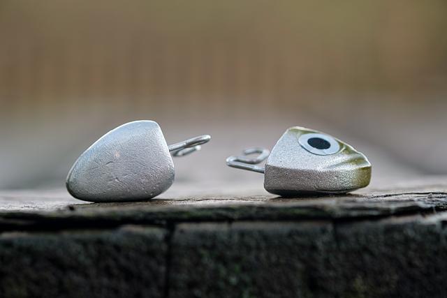 18g Search head (left), Shore 12g head (right)