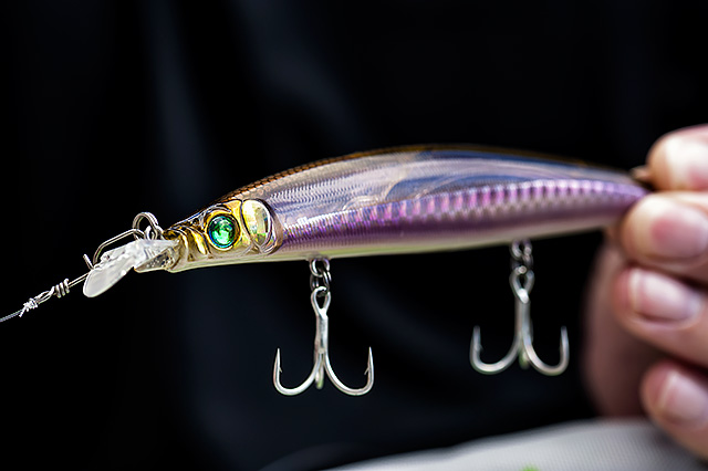 MegaBass Zonk Gataride 120mm - A very long distance casting lure. The MegaBass Zonk 120 Gataride (120mm, 18g) can simply be cranked in at a medium pace, but it also works well if you put some action into it via your rod tip. You need to watch out for that fairly fragile plastic lip – if it gets banged too hard on the rocks then it can break.You can find UK stocks of this lure here.