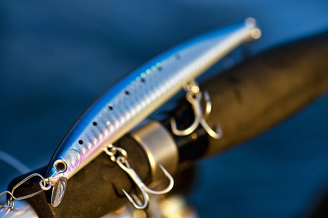 Smith Haluca 125F - There can't be many 125mm (medium sized) minnows out there that cast as well as this Smith Haluca 125F (125mm, 13.9g, floating) – honestly, this thing just flies out. For a medium sized, fairly narrow profile minnow/jerkbait, it's like a proverbial arrow.Affiliate links (my sincere thanks if you choose to buy via these): Lurefishingforbass.co.uk