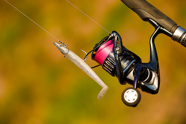 Savage Gear Sandeel 12.5cm/23g - I am finding myself using this particular size of the famous Savage Gear Sandeel more and more. Yes, I know I am a bit late to the party with these lures, but I am catching up, and I love how such a simple lure is giving me so many options. They catch a lot of bass!Affiliate links (my sincere thanks if you choose to buy via these): Veals Mail Order, Lurefishingforbass.co.uk