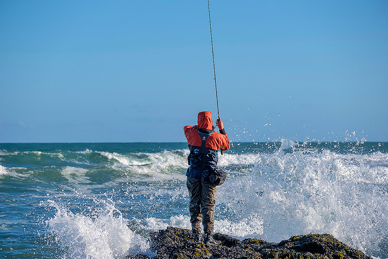 How hard is it to wear a modern lifejacket for shore based fishing like this?