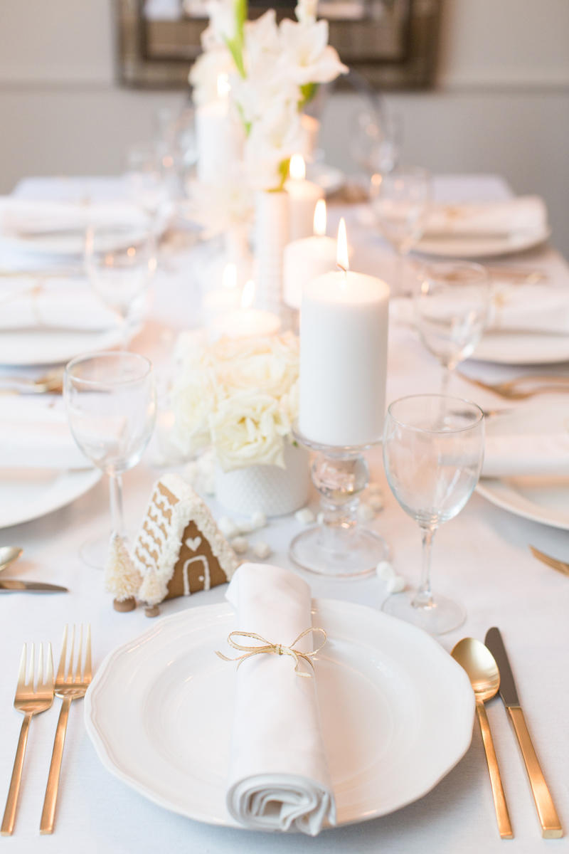 Bentwood Events White Christmas Table Setting.jpg