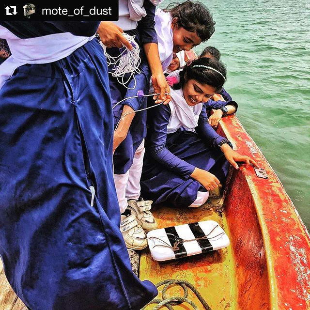 👏🏾 #Repost @mote_of_dust ・・・ Today we took our explorers on a field trip to the river mouth to conduct experiments in water clarity and to observe the animal and plant life both underwater (using a remotely operated underwater rover) and above water (with binoculars). Check out our homemade secchi disk! With @adastrascience @wasfianazreenofficial @antxikus @jj_marlow @zubuyer @bluemarblespace #natgeoexplorer #natgeoeducation #natgeoeducator #womeninstem @oselfoundation