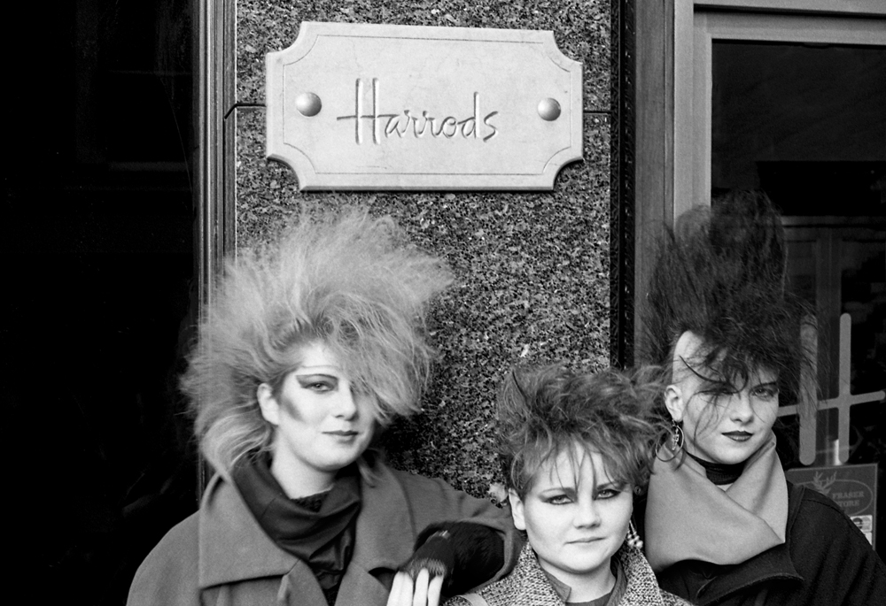 E Sheet 36 Neg 6a. Chigwell Punk Girls. Harrods.jpg