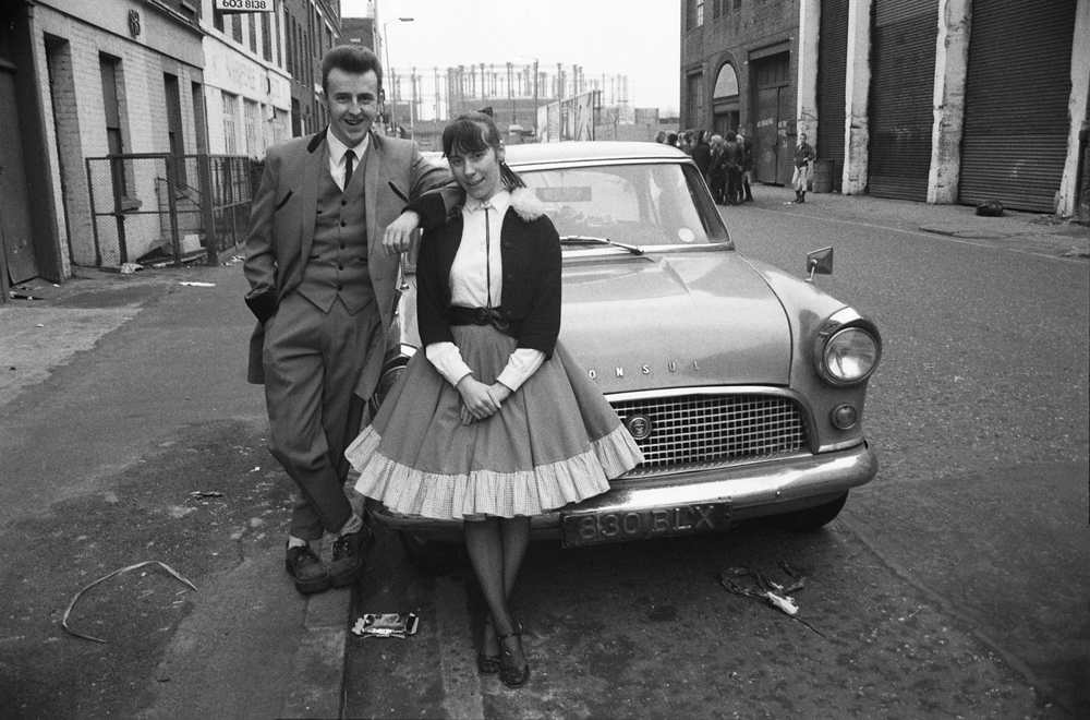 E Sheet 176 Neg 28 Teddy boy and Girl. Ford Consul.jpg