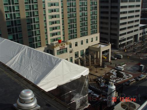 Tent installed on roof