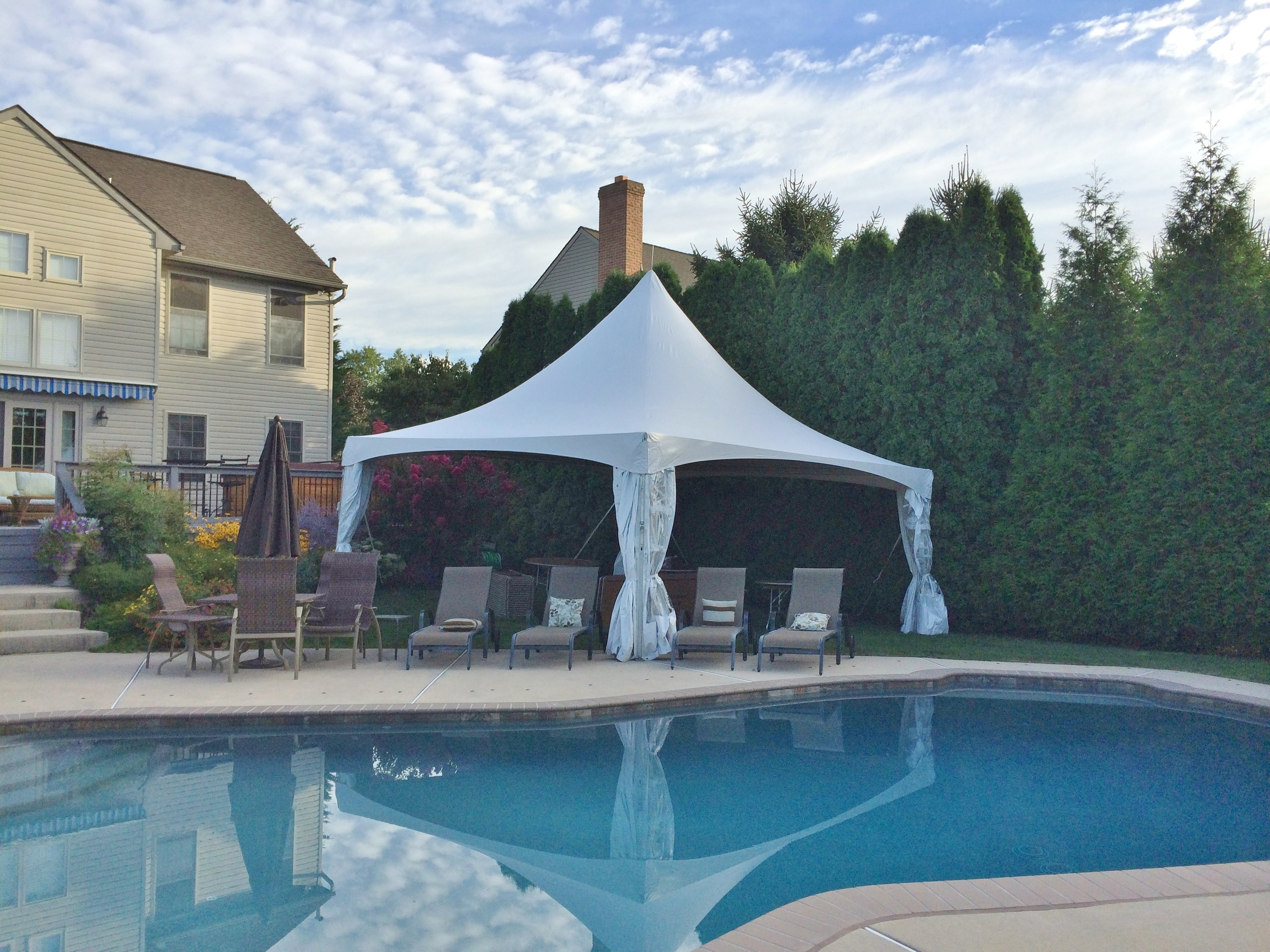 20x20 pool party tent
