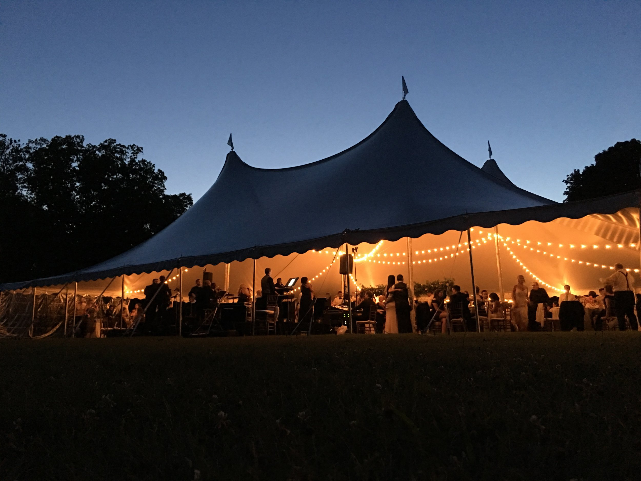 Tent and light rentals in Willow Grove